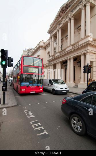 rush hour london bus stock photos rush hour london bus stock images alamy. Black Bedroom Furniture Sets. Home Design Ideas