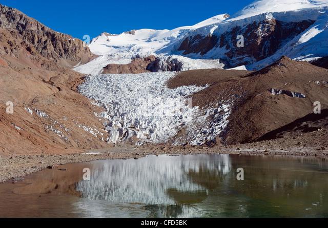 Glacier near Plaza de Mulas basecamp, Aconcagua Provincial Park, Andes mountains, Argentina, South America - Stock Image