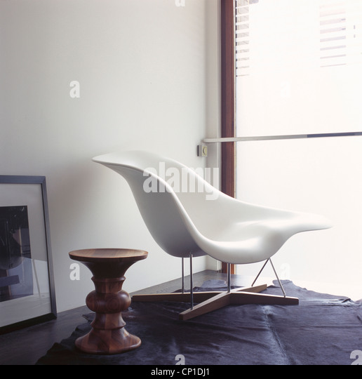 Ken mckay stock photos ken mckay stock images alamy for Charles et ray eames chaise