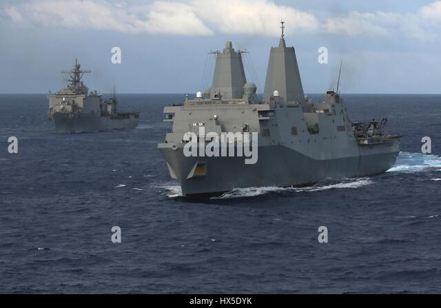 Amphibious transport dock ship USS San Antonio (LPD 17), amphibious dock landing ship USS Carter Hall (LSD 50), - Stock Image