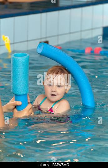 Children Learn Swim Pool Stock Photos Children Learn Swim Pool Stock Images Alamy