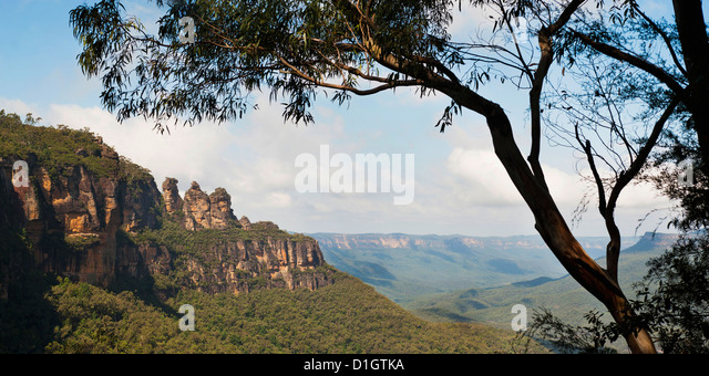 Panoramic photo of the Three Sisters, Blue Mountains, Katoomba, New South Wales, Australia, Pacific - Stock Image
