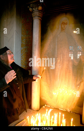 Woman with an apparent apparition of the Virgin Mary Coptic Egypt - Stock Image