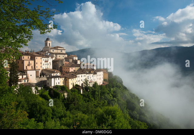 Abeto in the mist over the Valnerina, Umbria, Italy - Stock Image