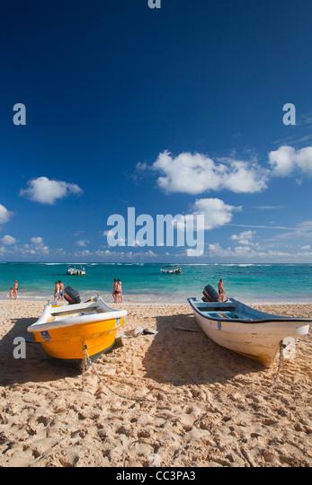 Dominican Republic, Punta Cana Region, Bavaro, Bavaro beach, boats - Stock-Bilder