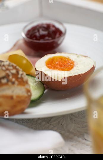 Breakfast on tray, close-up - Stock-Bilder