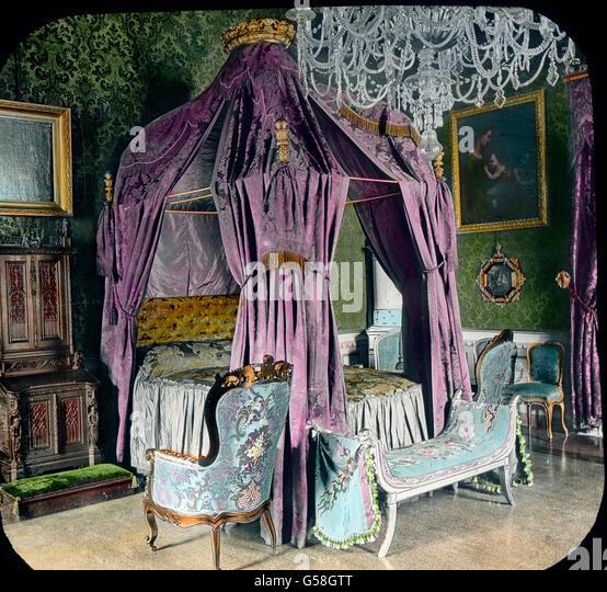Elegant sind die Privatkabinetts. Das Bild zeigt das Sohlafzimmer, in welchem Cavour, der Mitarbeiter König - Stock Image