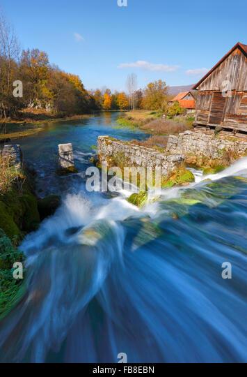 River Gacka landscape, Majerovo vrilo - Stock-Bilder