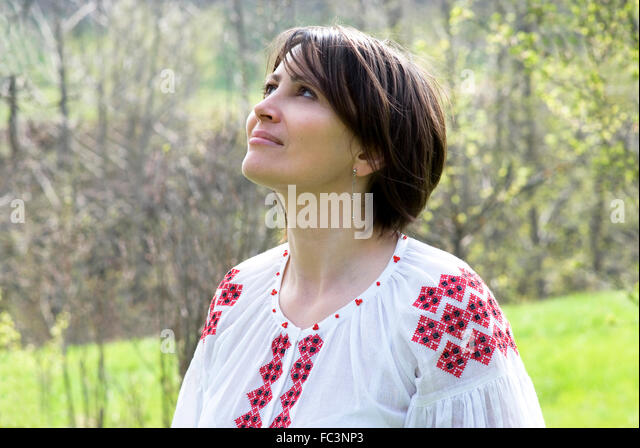 Ukrainian Women Photo Traditional 21