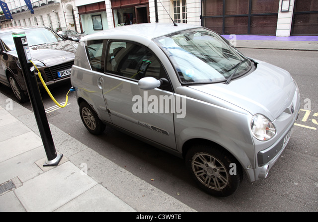 Electric car charging battery, London W.1 - Stock Image
