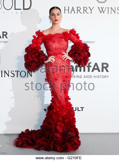epa05317675 US singer Katy Perry attends the Cinema Against AIDS amfAR gala 2016 held at the Hotel du Cap, Eden - Stock Image
