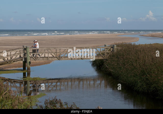 River Crossing Sand Beach Stock Photos Amp River Crossing Sand Beach Stock Images Alamy