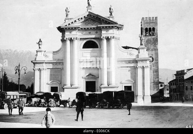 German convoy in Vittorio Veneto, 1917 - Stock Image