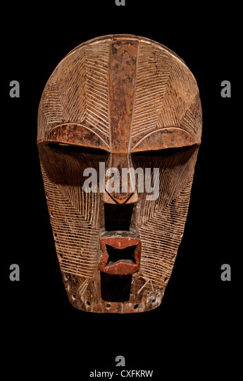 Mask Kifwebe19th century Democratic Republic of the Congo Lomami River region Songye peoples 44 cm Africa - Stock-Bilder