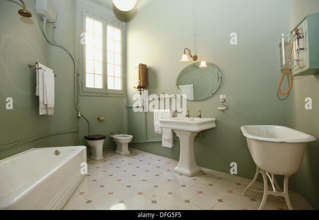 Bathroom of the Apartment, recreation of an original bourgeois apartment in the beginning of 20th century at Milà - Stock Image