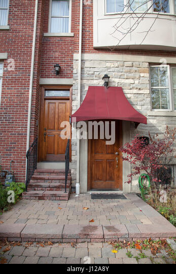 Wood door, Home in Toronto, Canada - Stock Image