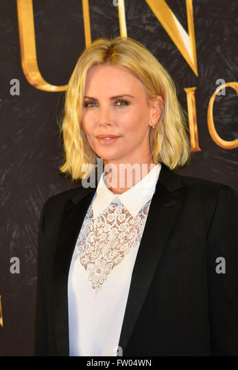 Charlize Theron Suedafrikanische Actress beim Photocall zu The Huntsman & The Ice Queen in the Park im Hotel - Stock Image