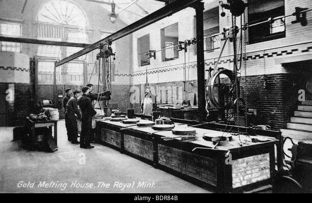 Gold Melting House, the Royal Mint, Tower Hill, London, early 20th century. - Stock Image