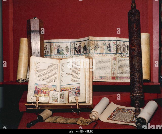 Jewish religious texts for auction at Sotheby's, March 1990. Artist: Sidney Harris - Stock Image
