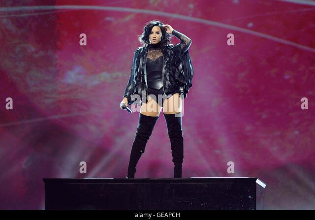 Toronto, ON. 23rd July, 2016. Demi Lovato on stage for The Future Now Tour, Air Canada Centre, Toronto, ON July - Stock-Bilder