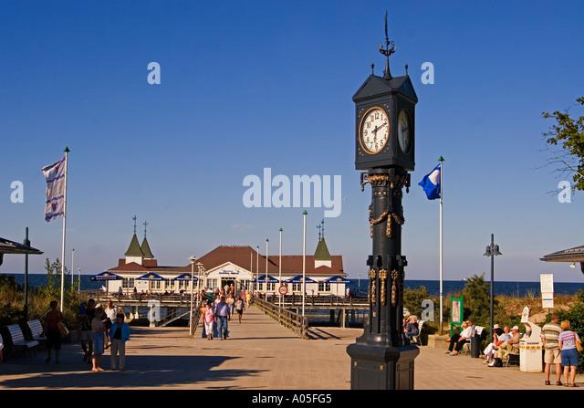 Usedom Ahlbeck art nouveau wooden pier clock art nouveau - Stock Image