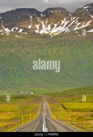 The road leading into Neskapustadur, a fjord in east Iceland. - Stock Image