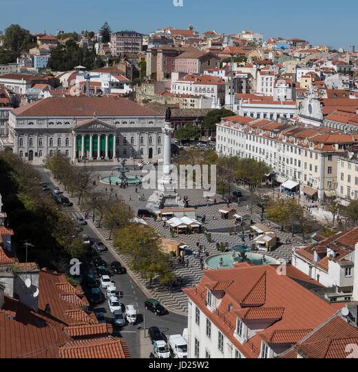 Rossio (Praca Dom Pedro IV) and the National Theater (Teatro Nacional Dona Maria II) in the city center of Lisbon - Stock Image