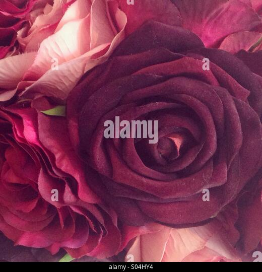 Fake red roses - Stock-Bilder