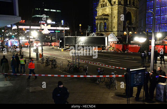 Berlin, Germany. 19th Dec, 2016. A truck was driving into a Christmas market, close to the Kaiser Wilhelm memorial - Stock Image