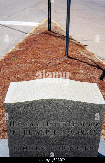 Alabama Dothan world's smallest city block Guinness Book of World Records monument marker - Stock Image
