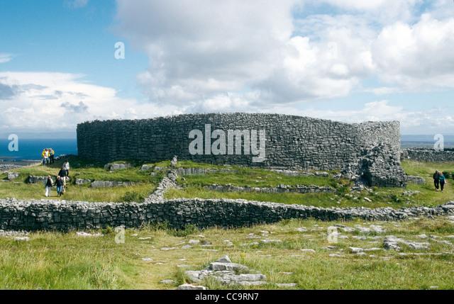 An Iron Age Fort on Inis Mor Aran Islands Co Galway Ireland - Stock-Bilder