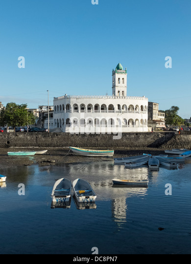 moroni muslim All muslim holidays are observed christianity in the comoros is a minority religion in 2006 four persons were detained in the town of moroni in the comoros.