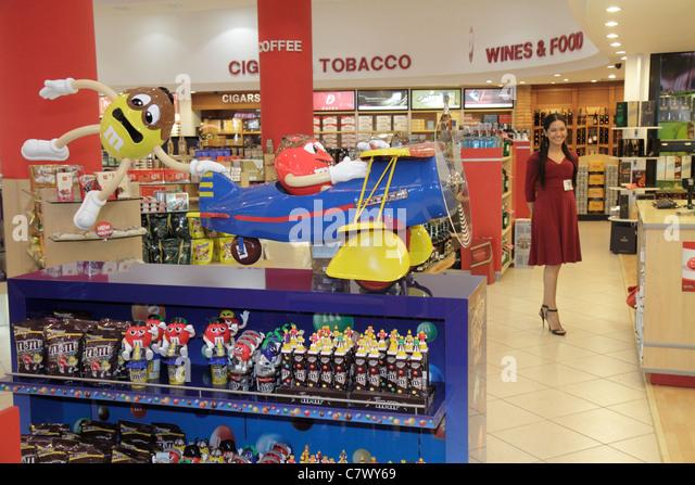 Nicaragua Managua Augusto C. Sandino Aeropuerto Internacional International Airport MGA shopping duty free concession - Stock Image