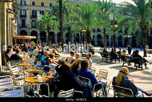 Barcelona Plaze Real palm trees tourists  - Stock Image