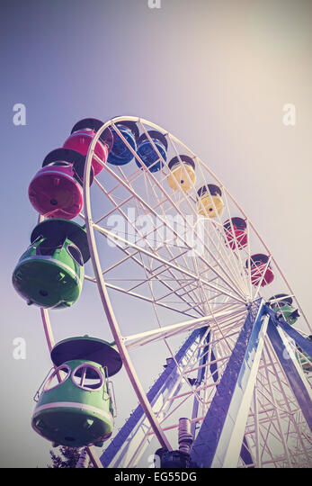 Retro filtered picture of ferris wheel in a park. - Stock-Bilder
