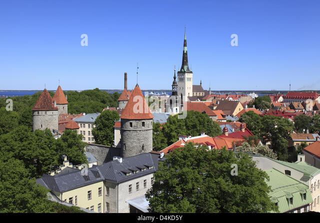 The picture shows the view from the castle mountain on the old town of Tallinn, Estonia, June 2009. The old town - Stock Image