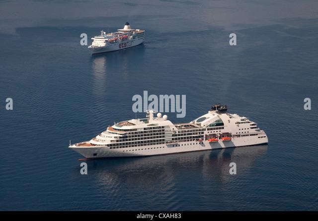 cruise liners, cyclade islands, santorini, greece - Stock Image