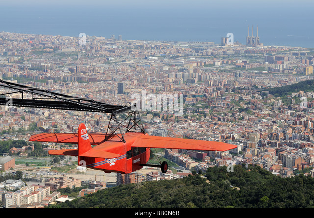 Nostalgic airplane and aerial view over Barcelona, Spain - Stock-Bilder