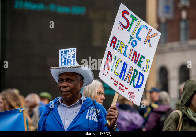 Hands off Huddersfield Royal Infirmary (HRI), Leeds, UK. 1st April, 2017. Approximately a 1000 campaigners fighting - Stock Image