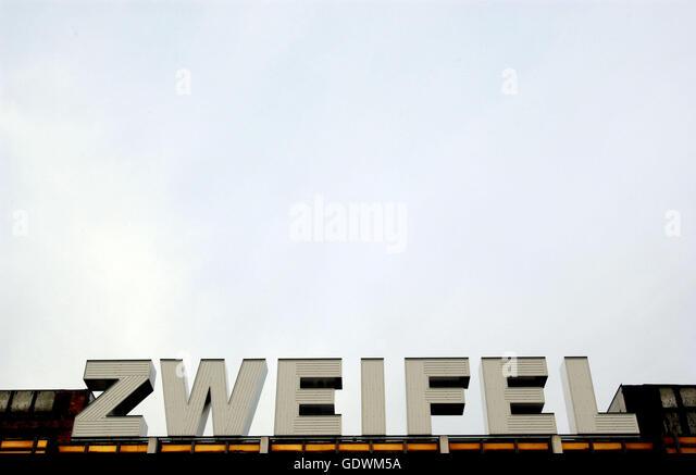 Zweifel (Doubt) - Palace of the Republic - Stock Image