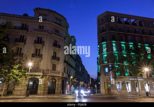 Spain Europe Spanish Madrid Recoletos Salamanca Calle de Alcala Plaza de la Independencia dusk night nightlife - Stock Image