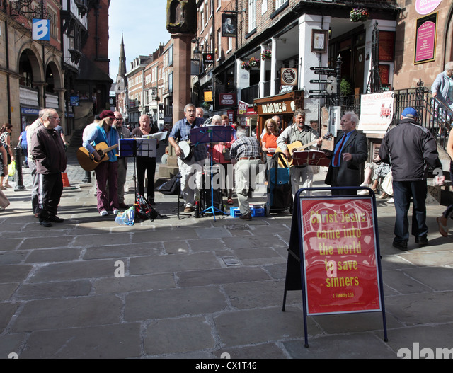the preacher on street corners Why street preaching is wrong however, i have never seen or heard any street preacher claim that they reached people with their message but isn't that the reason for witnessing to people isn't the goal to bring people to god.