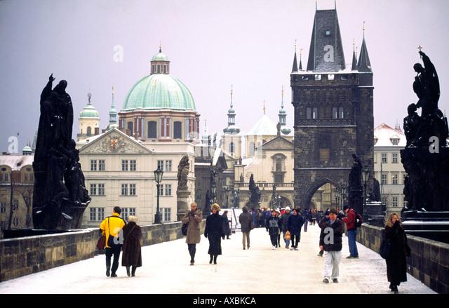 Czech Republik Prague Charles Bridge in Winter snow - Stock Image