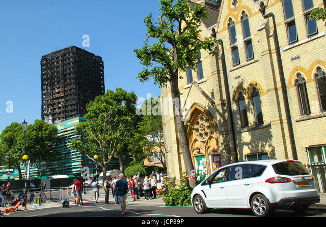London, UK. 16th June 2017. The charred remains of the 24-storey block Grenfell tower block located in the borough - Stock Image