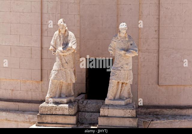 Statues at the base of the cupola, Cadiz Cathedral (Catedral de Santa Cruz de Cádiz), Plaza Catedral, Cadiz, - Stock Image