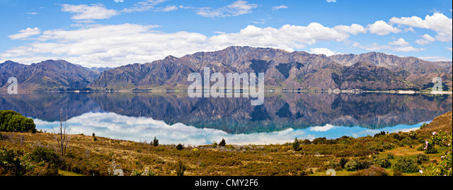 Panoramic view looking east across Lake Hawea in New Zealand's South Island. - Stock Image