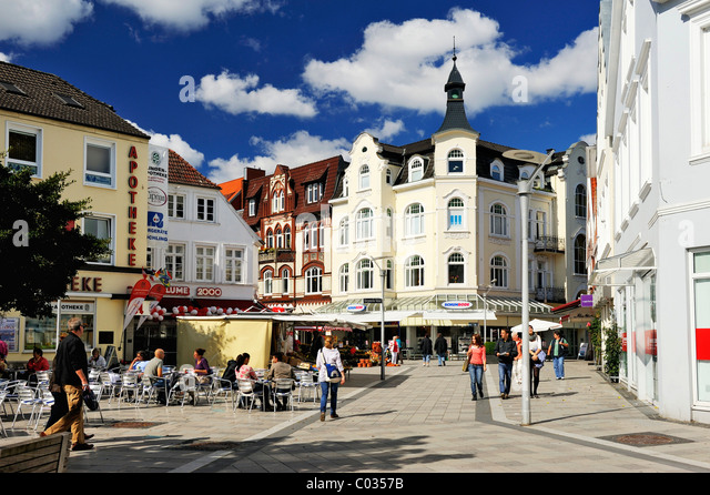 shopping district in hamburg stock photos shopping district in hamburg stock images alamy. Black Bedroom Furniture Sets. Home Design Ideas