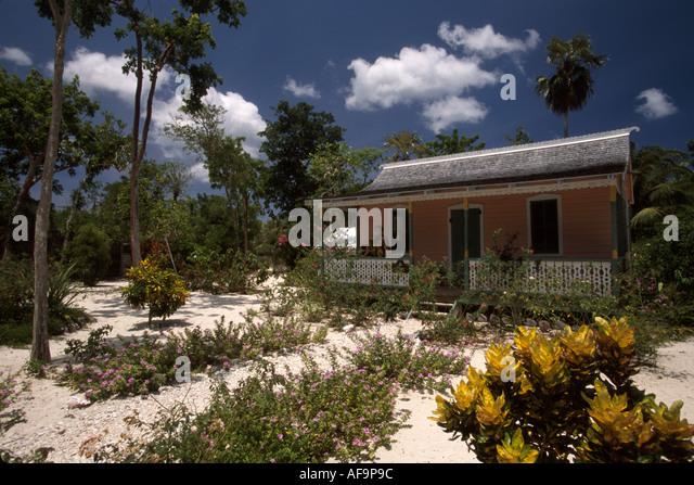 Grand Cayman BWI North End Queen Elizabeth II Botanical Gardens Rankin House sand garden - Stock Image