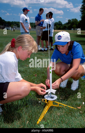 New Jersey Paramus space and rocket summer camp students launching girls engineer - Stock Image