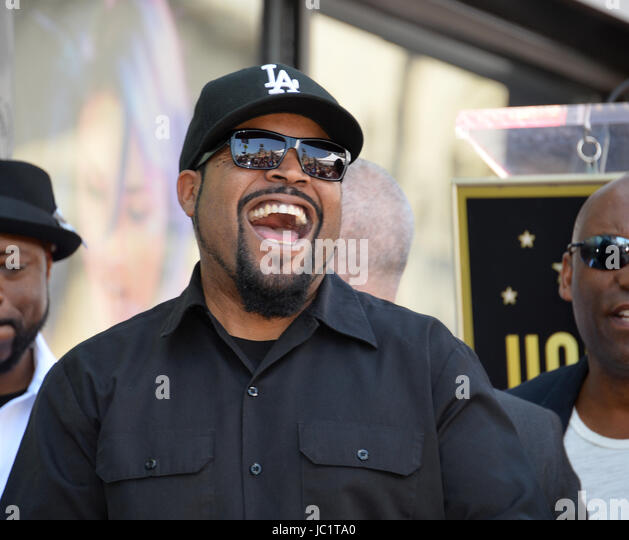 Los Angeles, USA. 12th June, 2017. LOS ANGELES, CA. June 12, 2017: Ice Cube at the Hollywood Walk of Fame star ceremony - Stock-Bilder